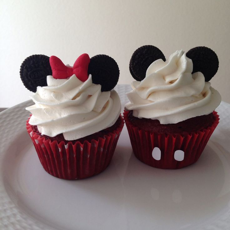 Mickey Mouse Oreo Cup Cakes