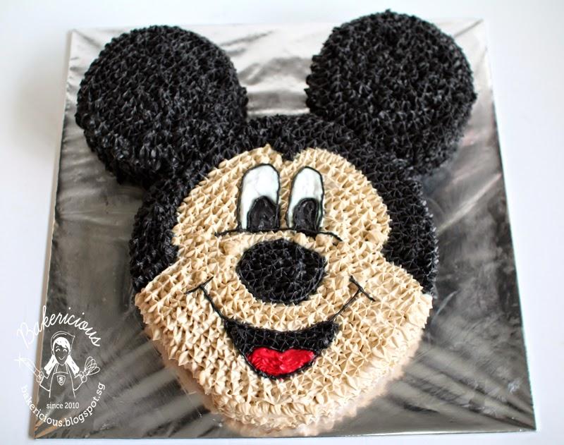 Bakericious  Mickey Mouse Cake