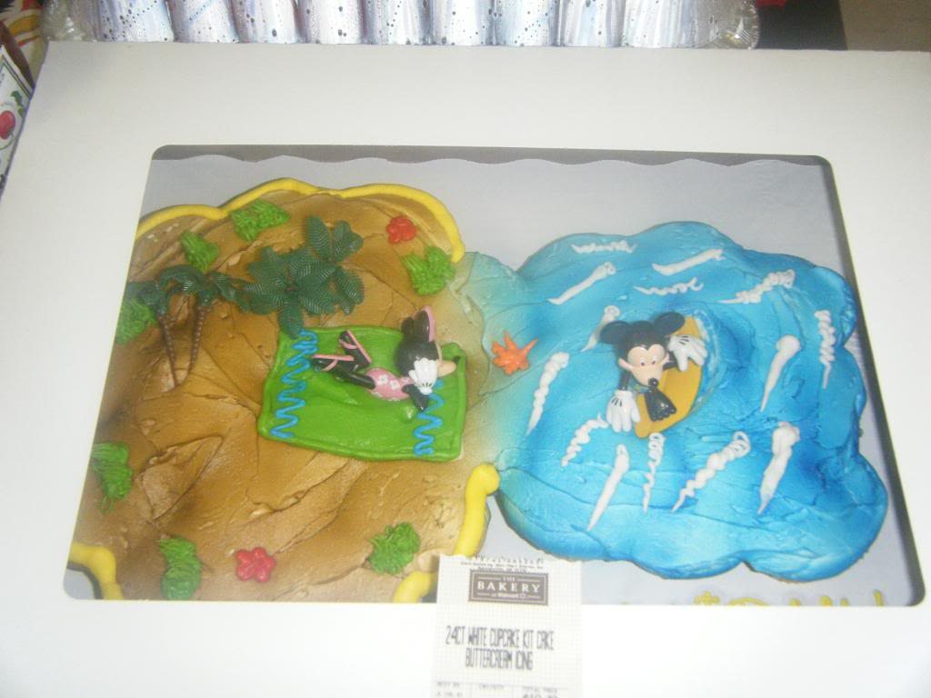 Mickey Mouse Birthday Cakes ! ! ! ! Help