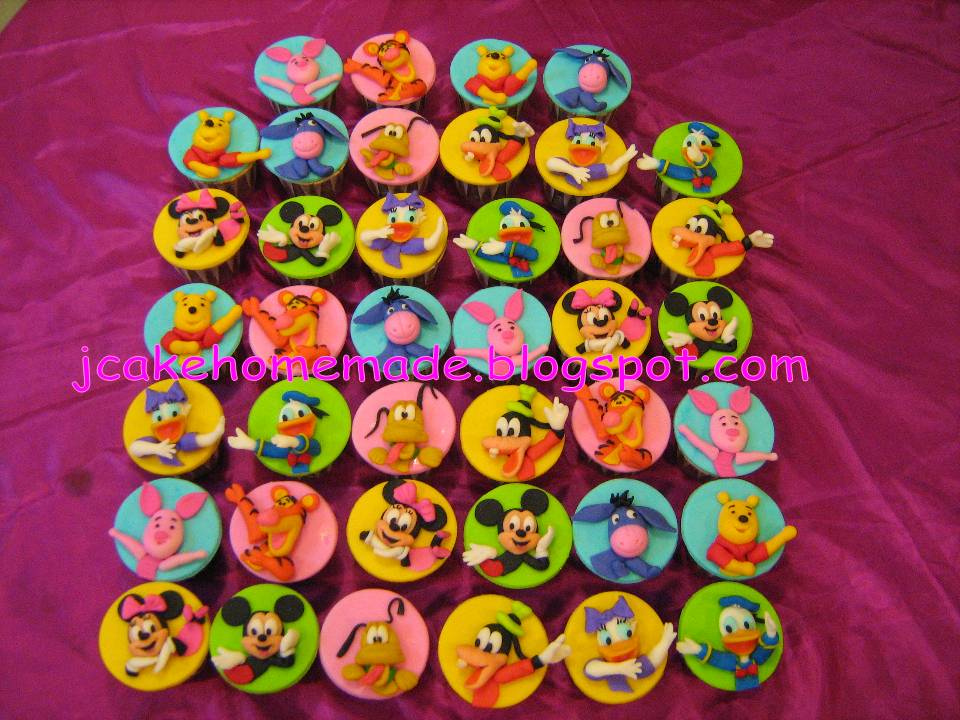 Mickey Mouse Clubhouse And Winne The Pooh Cupcakes
