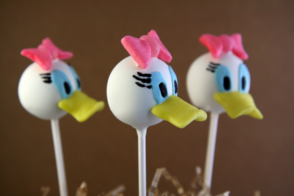 Mickey Mouse Clubhouse Cake Pops 2