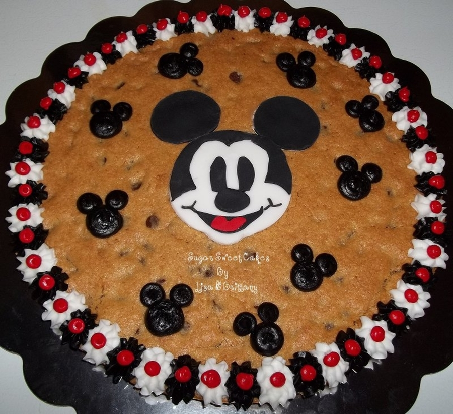 Mickey Mouse Cookie Cake