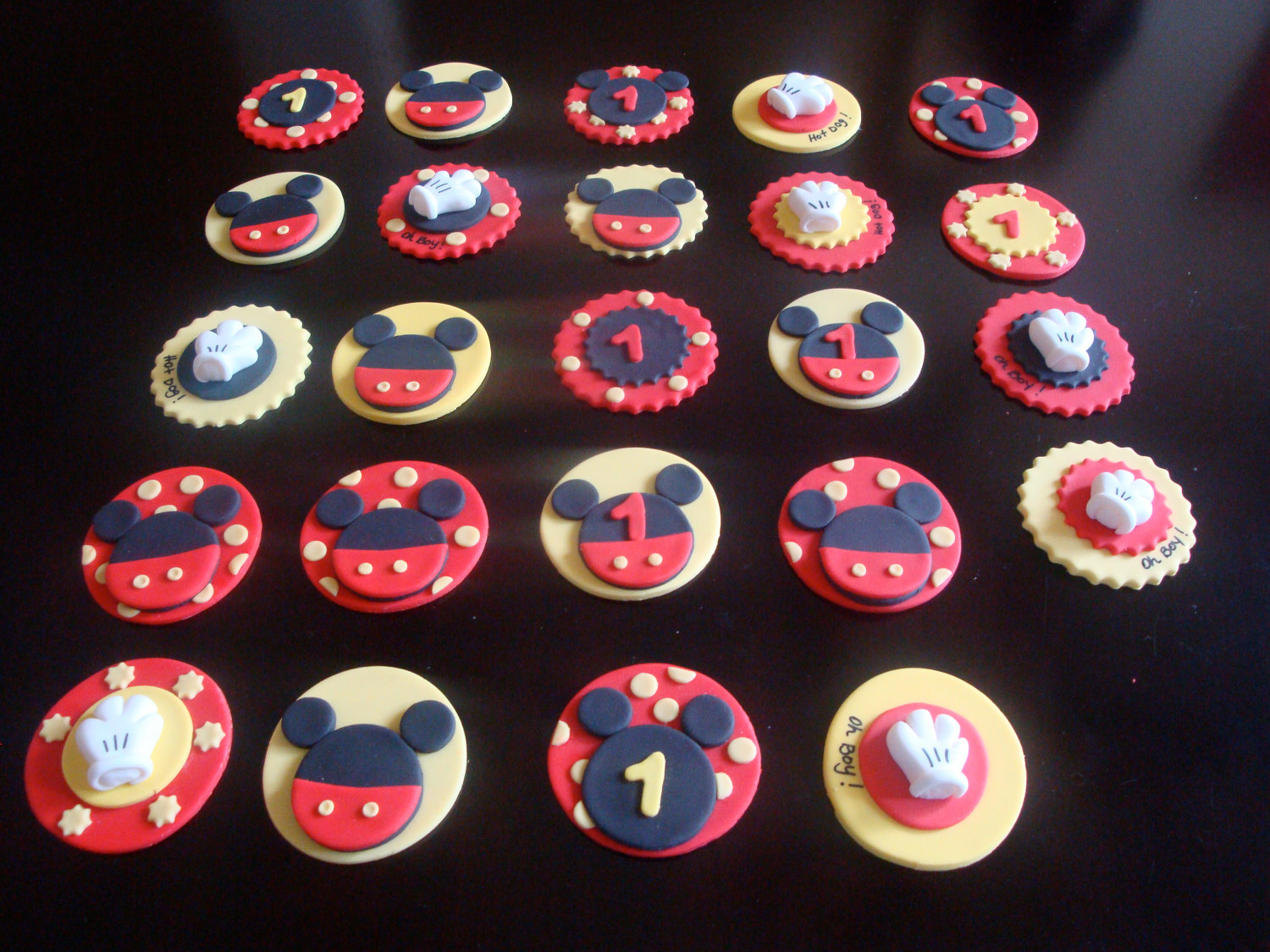 Mickey Mouse Edible Cake Plaque Topper Decoration