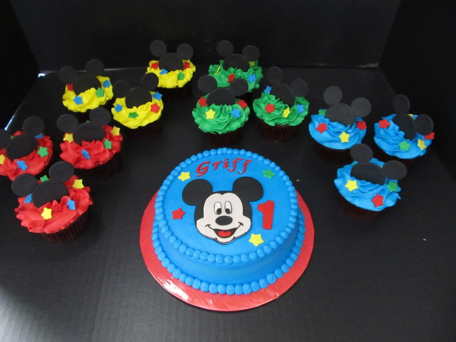 Mickey Mouse Smash And Cupcakes