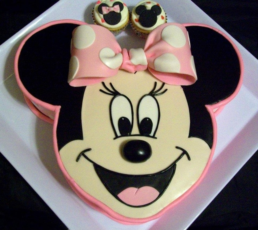 Mickey Mouse Face Cakes