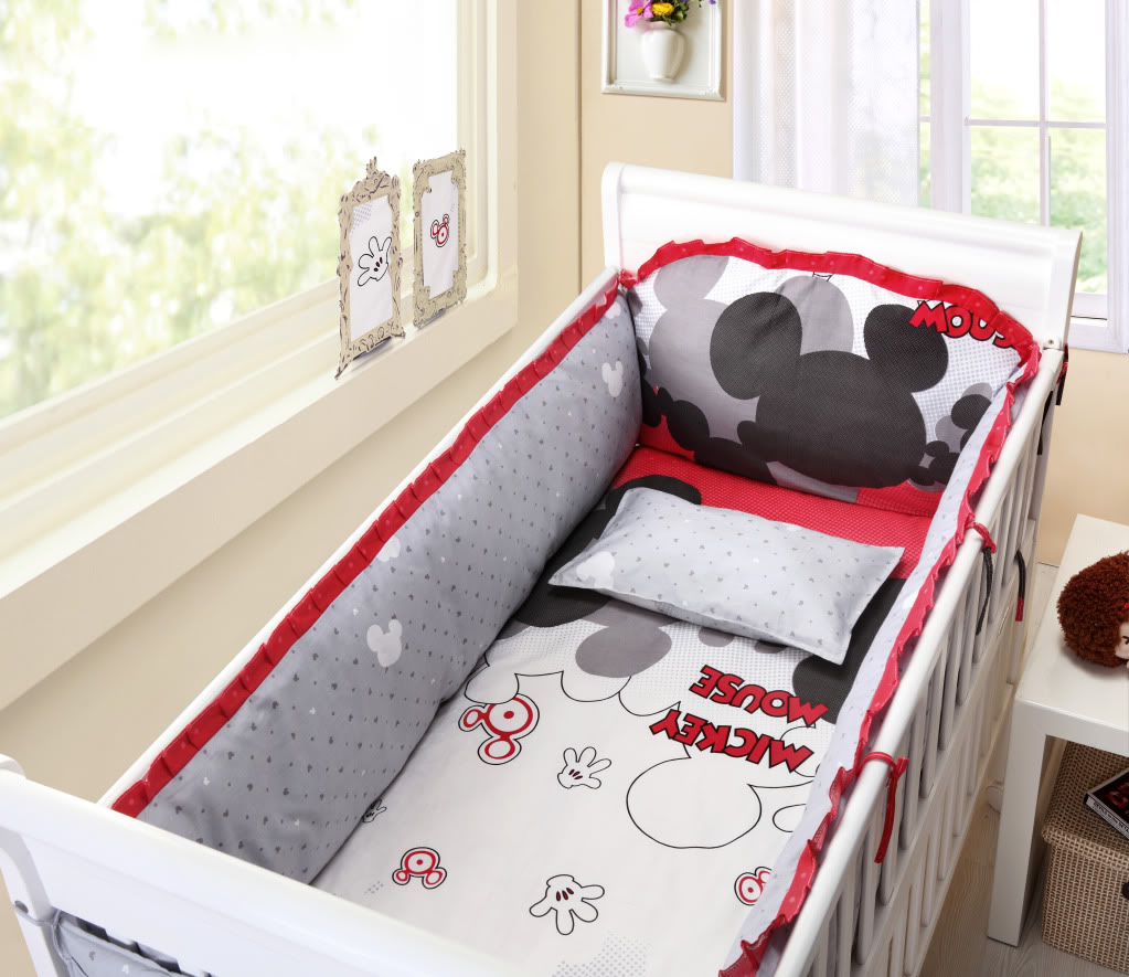 Red And Black Minnie Mouse Toddler Bedding