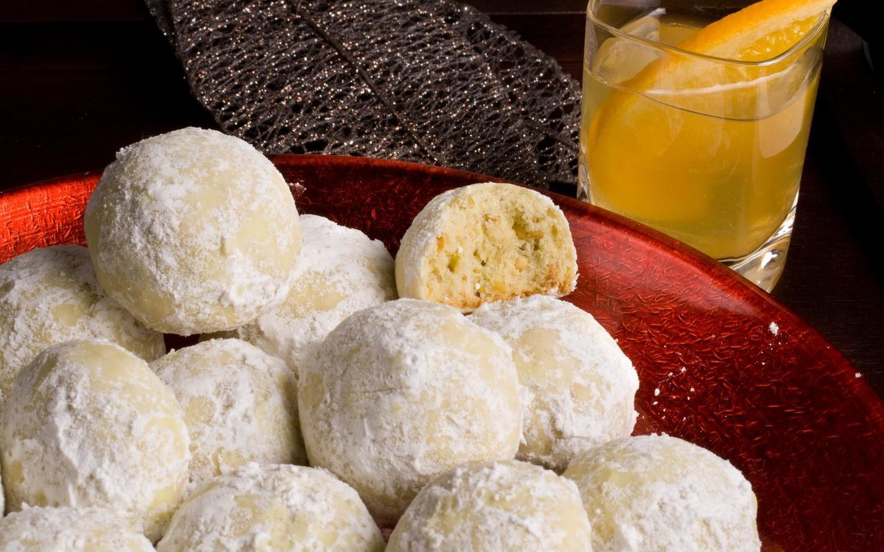 Pistachio Mexican Wedding Cakes Recipe