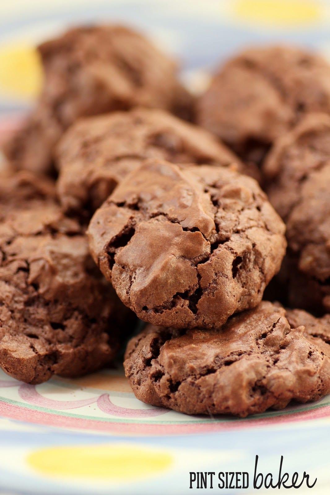 Chocolate Meringue Pillow Cookies