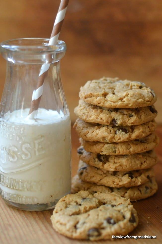 Flourless Cashew Butter Chocolate Chip Cookies