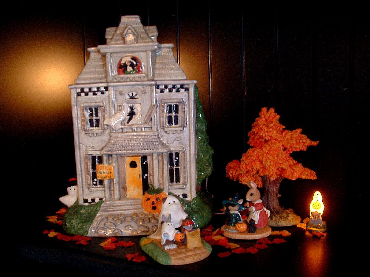 Halloween Cookie Jar Vignette Â« The Seasonal Home