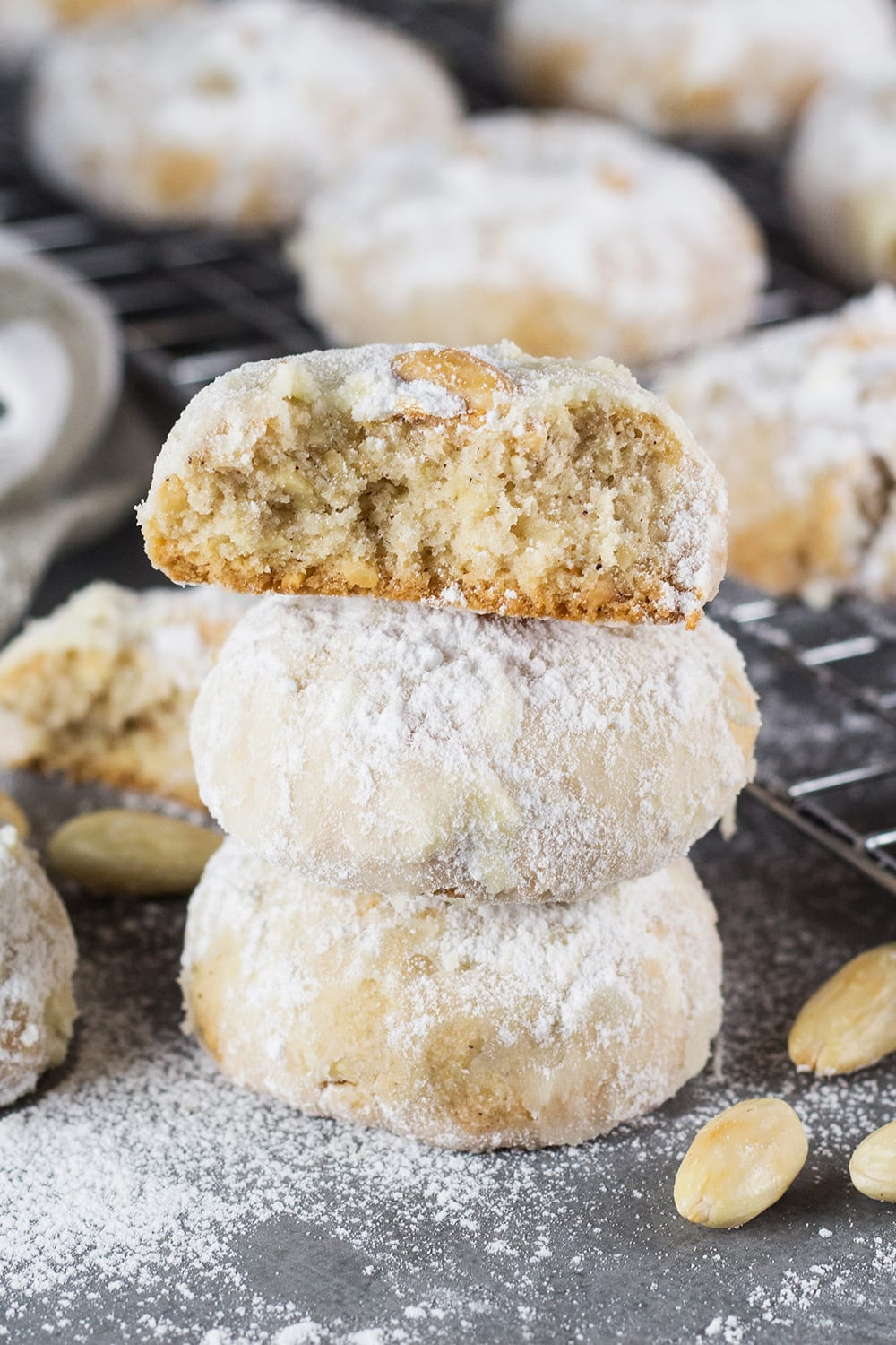 Mexican Wedding Cookies Recipe (with Almonds)