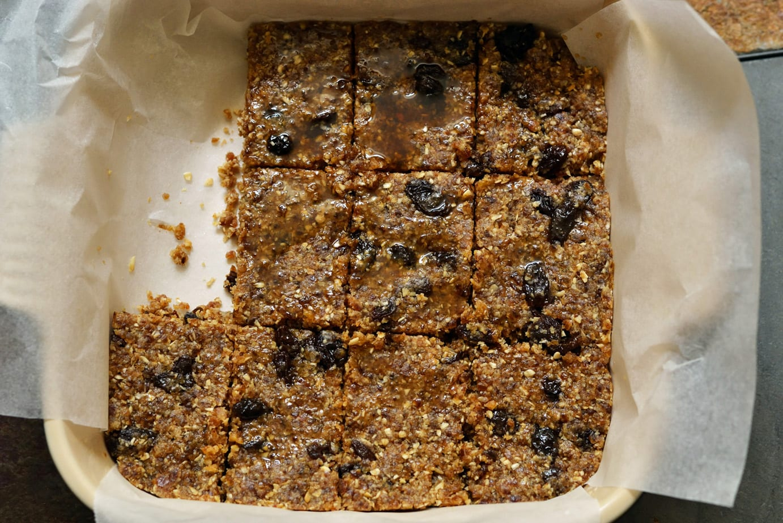 Oatmeal Raisin Cookie Dough Bars (no Bake)