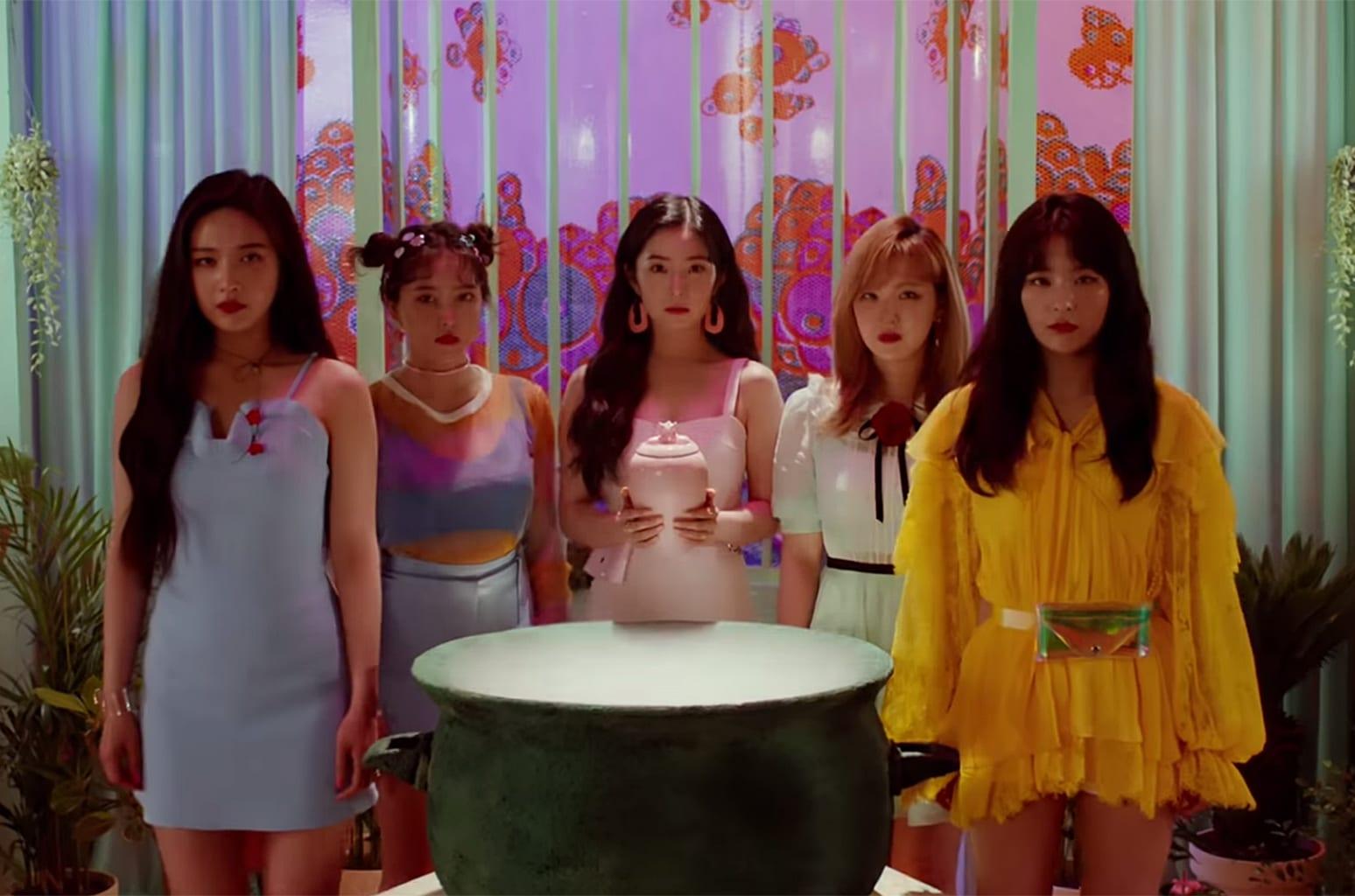 Red Velvet's 'cookie Jar' Video  Watch
