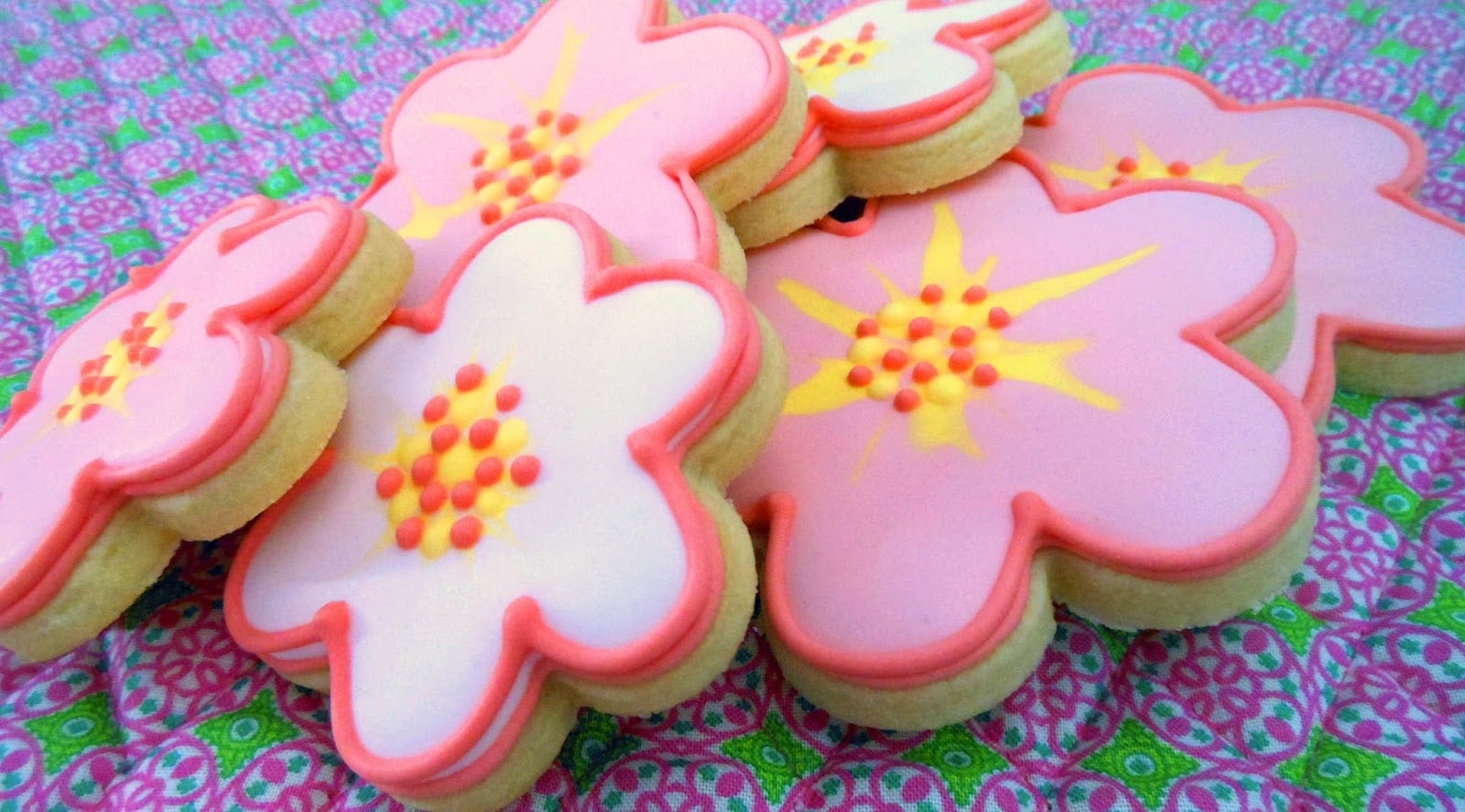 Shortbread Cookies With Icing