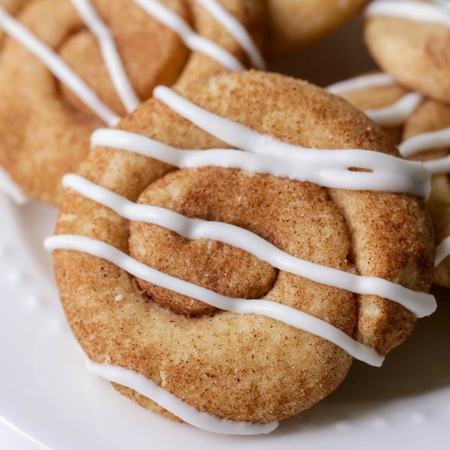 The Best Cinnamon Roll Cookies