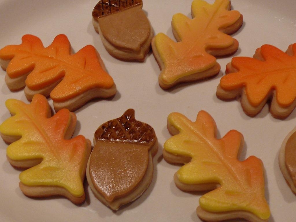 Fall Acorn And Leaf Sugar Cookies