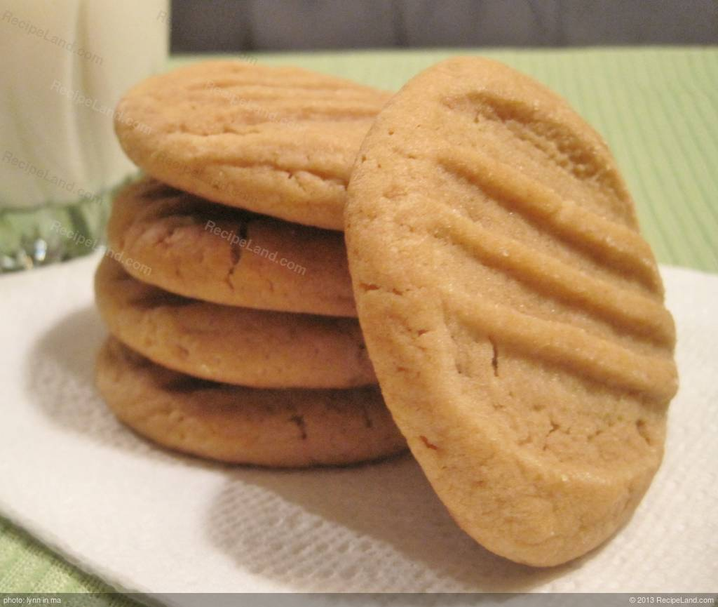 Best Ever Chewy Peanut Butter Cookies Recipe