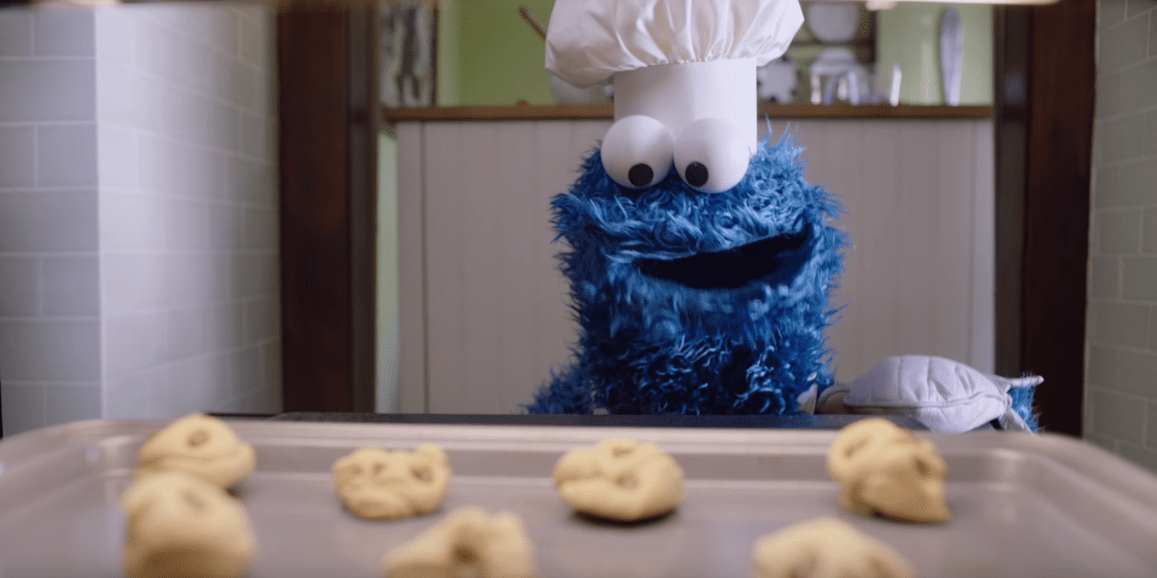 Cookie Monster Uses Siri In This New Apple Ad