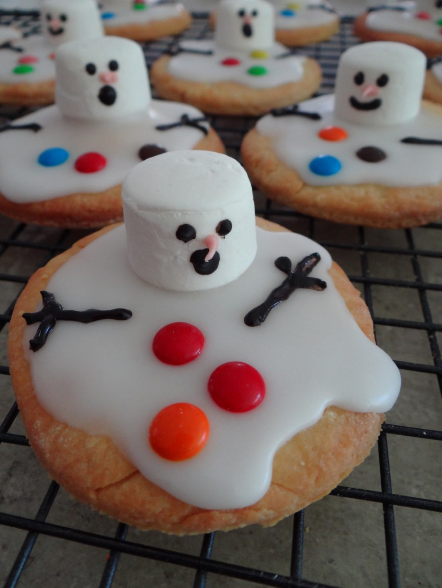 Melted Snowman Biscuits – Be A Fun Mum