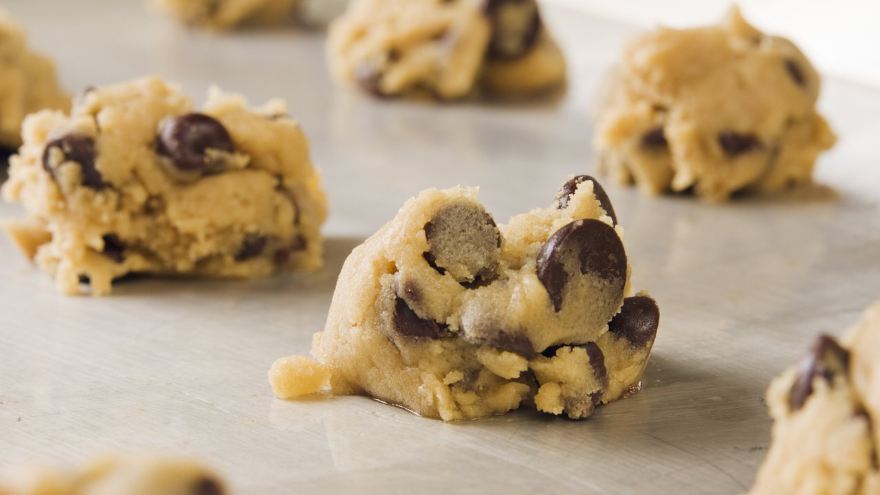 How Bad Is It To Eat Raw Cookie Dough