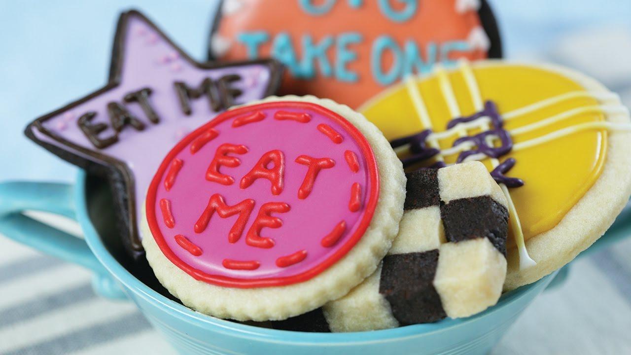 Alice In Wonderland 'eat Me' Cookies