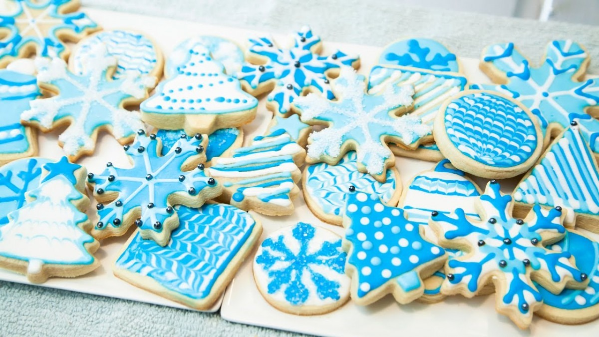 How To Decorate Cookies With Royal Icing, For Beginners (the