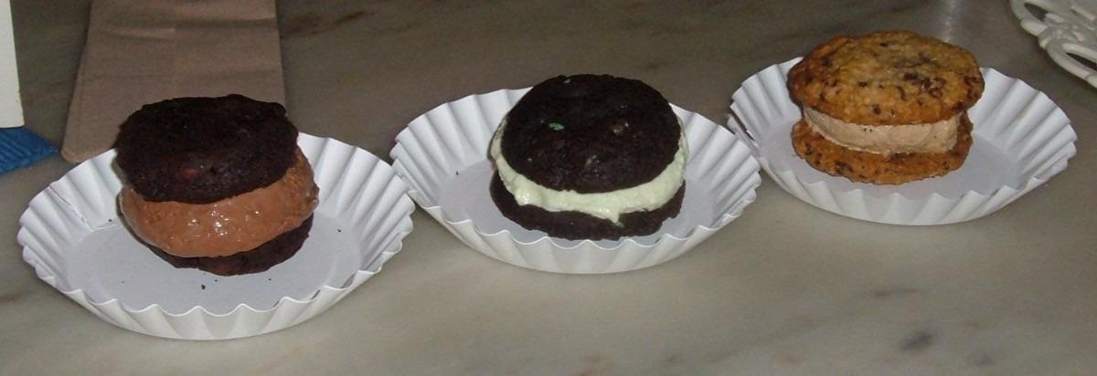 Milk & Cookies – Ice Cream Sandwich