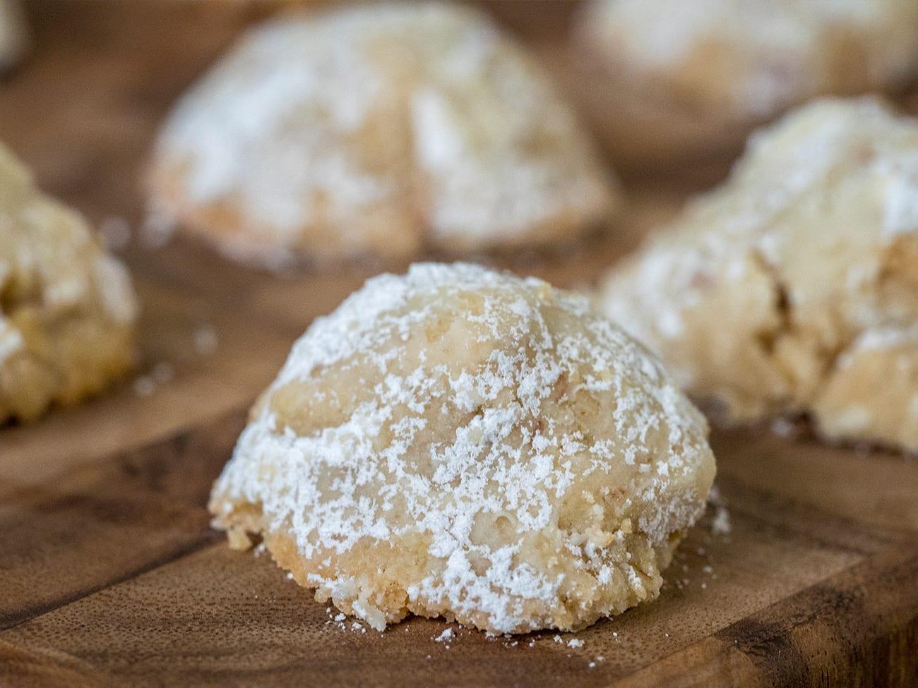 Secret Kiss Cookies – 12 Tomatoes