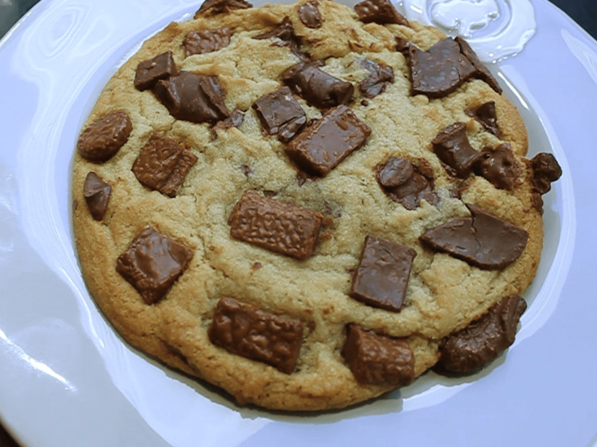 Besfren's Triple Chocolate Chip Cookie