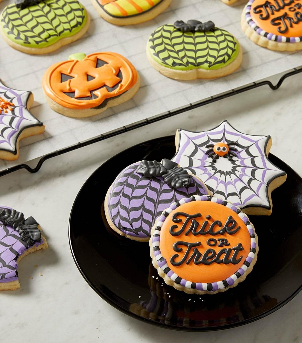 How To Make Spooktacular Halloween Sugar Cookies