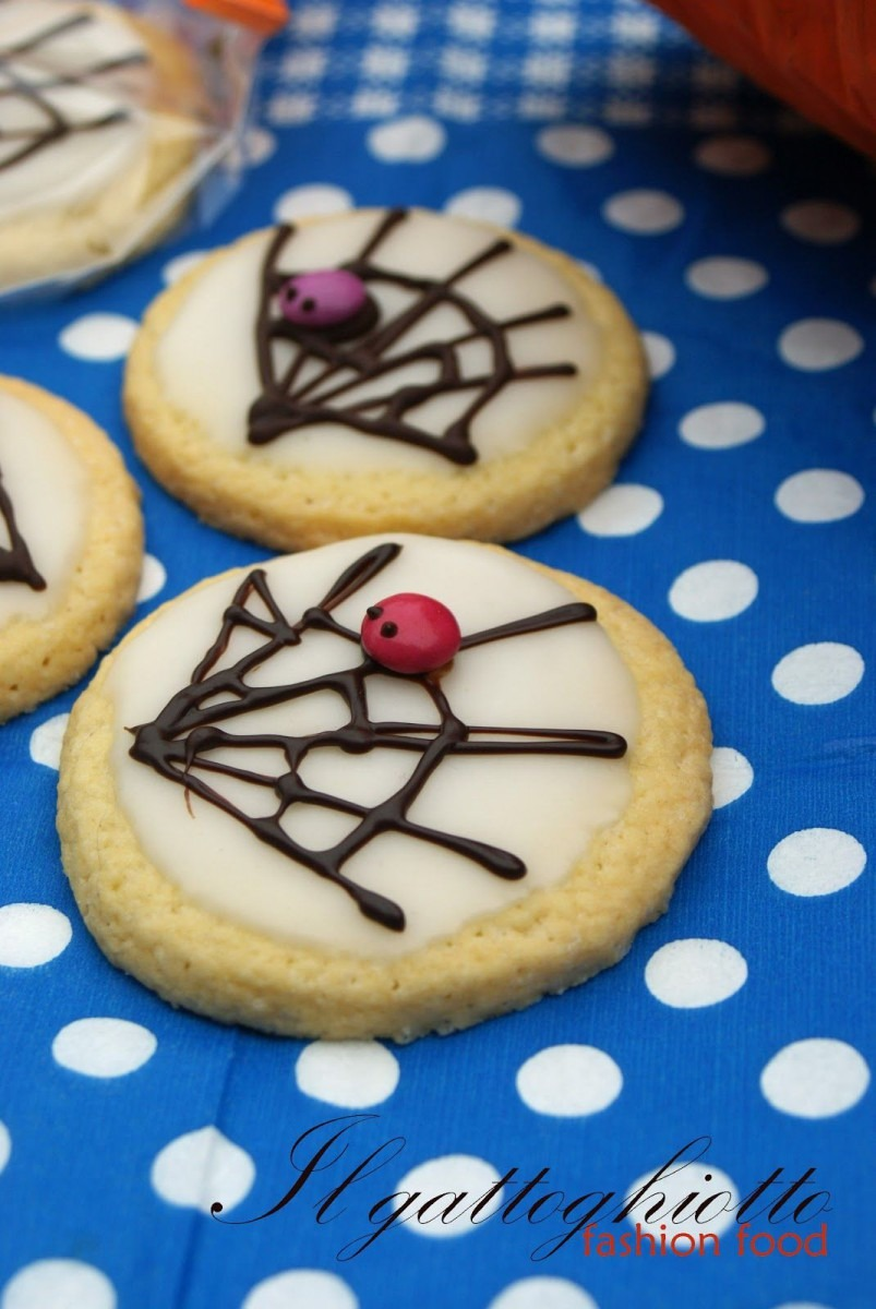 Easy Halloween Cookie Decorating Idea