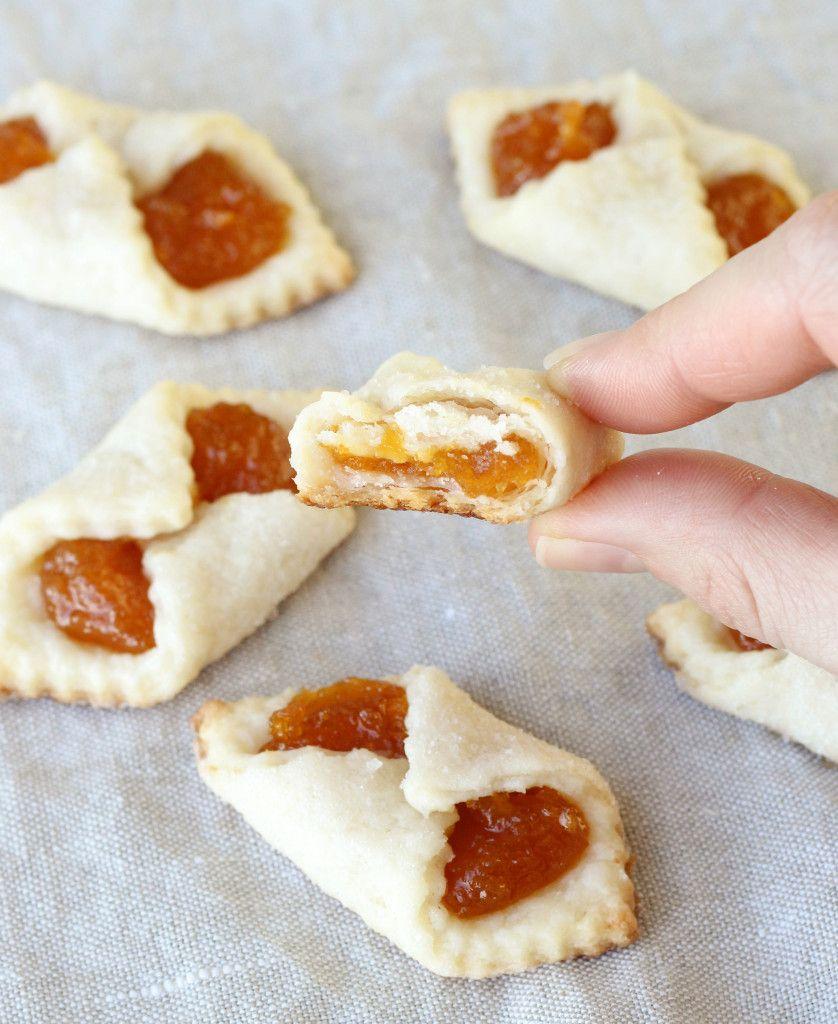 Apricot Kolaches – An Hungarian Christmas Cookie