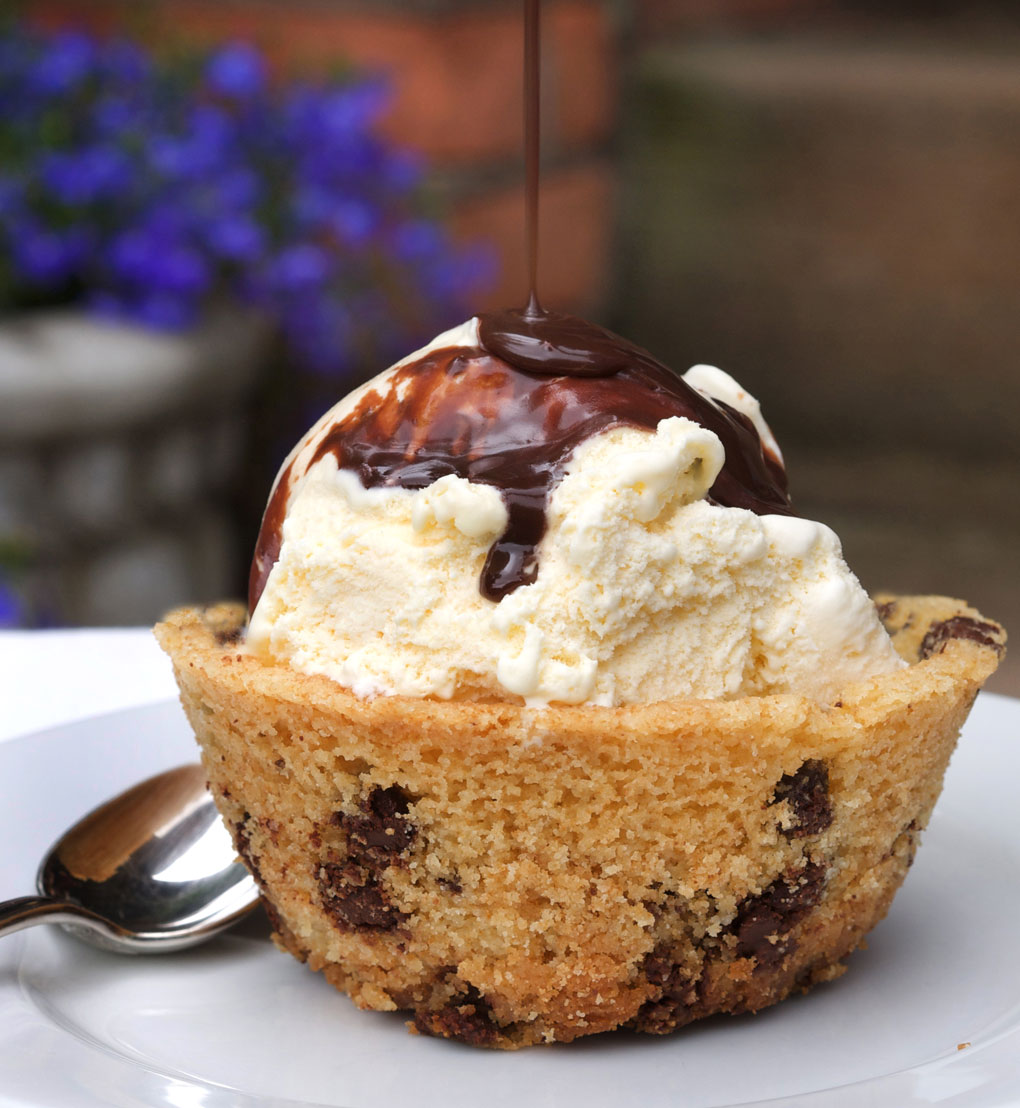 Ruhlman Classic  Chocolate Chip Cookie Bowl