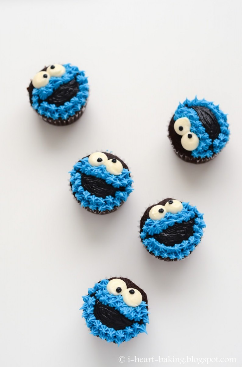 I Heart Baking!  Cookie Monster Cupcakes