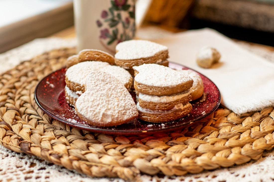 Kourabiedes  Greek Almond Cookies