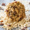 Soft Oatmeal Raisin Cookies