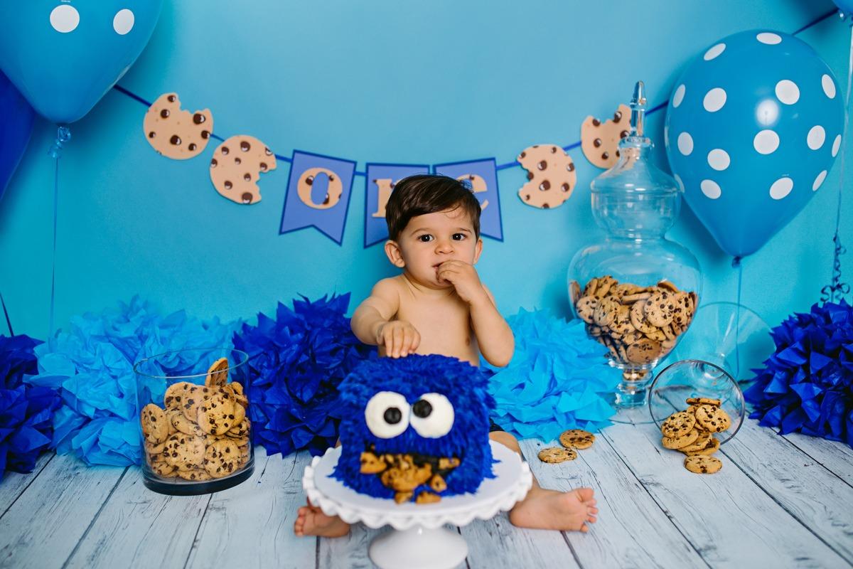 Giuseppe's Cookie Monster Cake Smash!