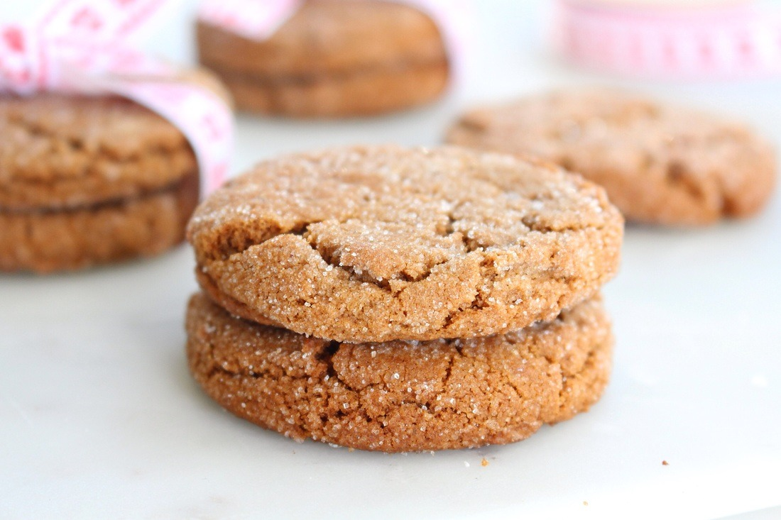 Chewy Ginger Molasses Cookie Grams