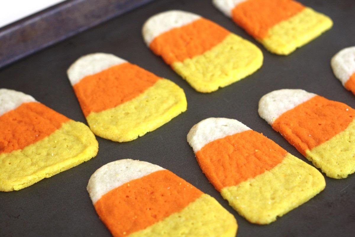Candy Corn Halloween Cookies {recipe}