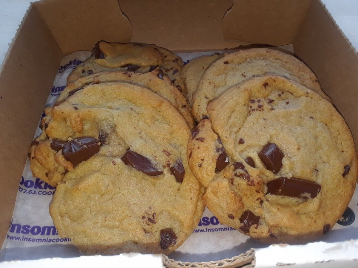 Insomnia Cookies, St Louis, Mo Chocolate Chip Cookies