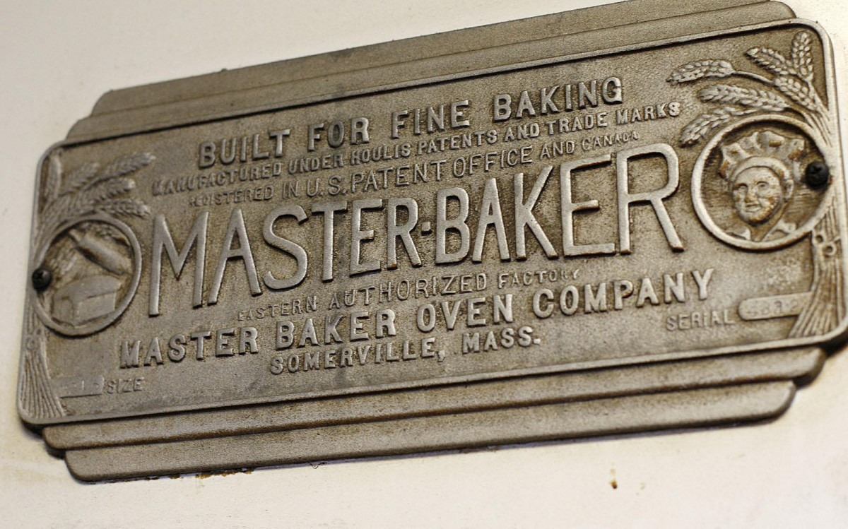 Two Centuries Of Biscuit Baking At Bent's In Milton