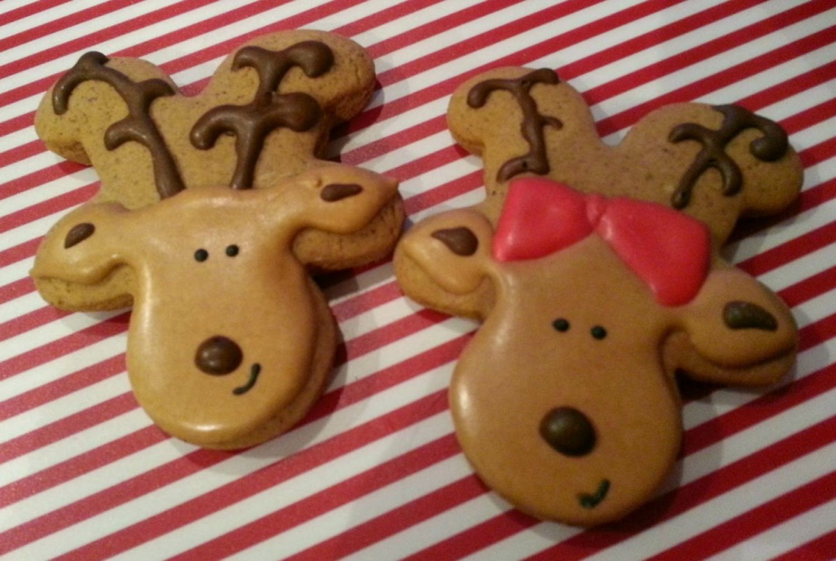 Gingerbread Men Cookie Cutters Also Make The Cutest Reindeer