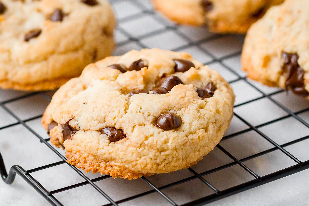 Keto Chocolate Chip Cookies Recipe — Eatwell101
