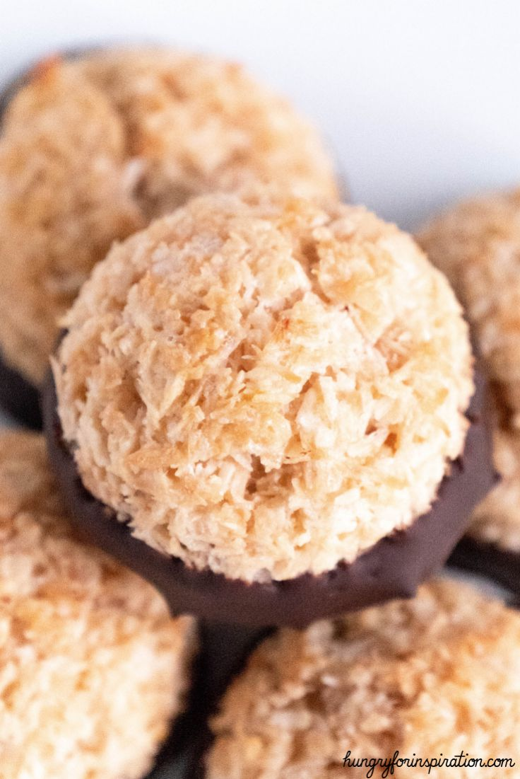 Healthy Keto Coconut Macaroons (traditional German Christmas Cookies)