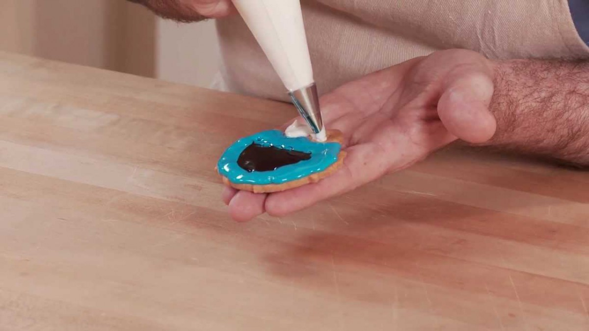 How To Bake & Decorate Sesame Street Cookies