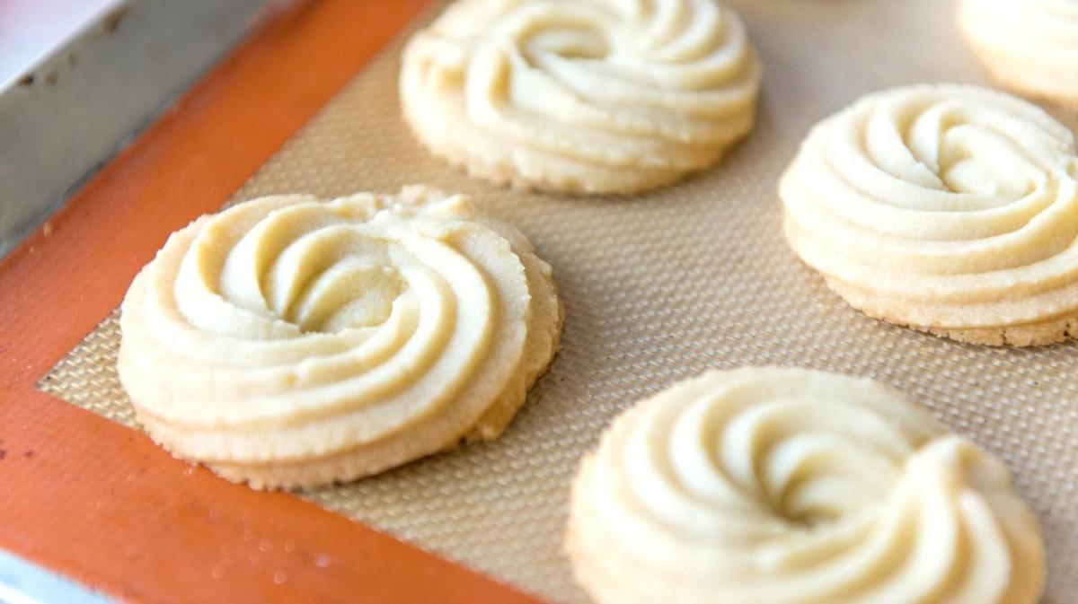Butter Swirl Shortbread Cookies