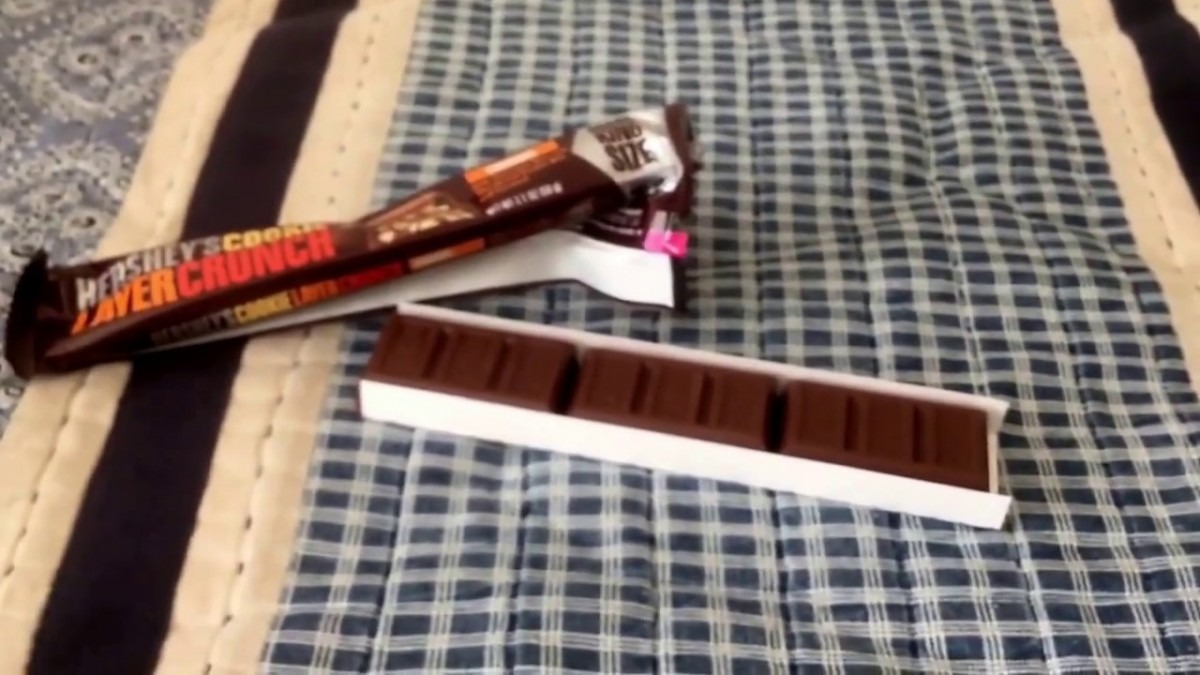Candy🍫review  Hershey's Cookie Layer Crunch The Caramel Version