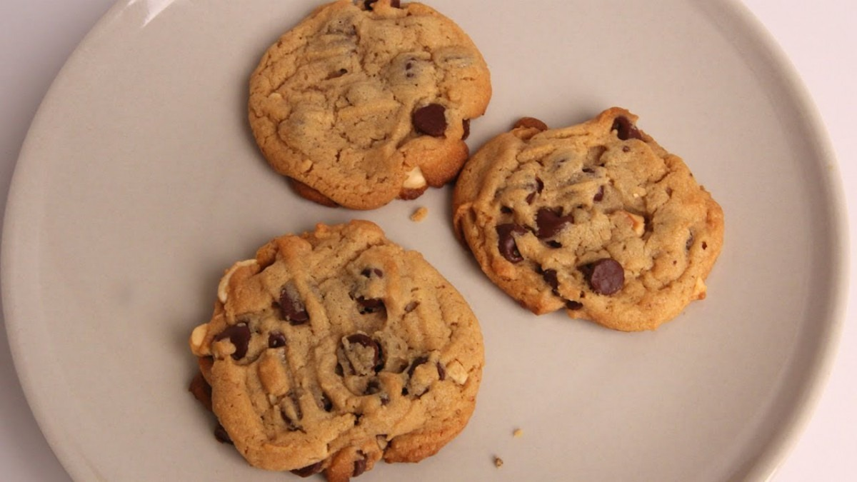 Chunky Chocolate Peanut Butter Cookies Recipe