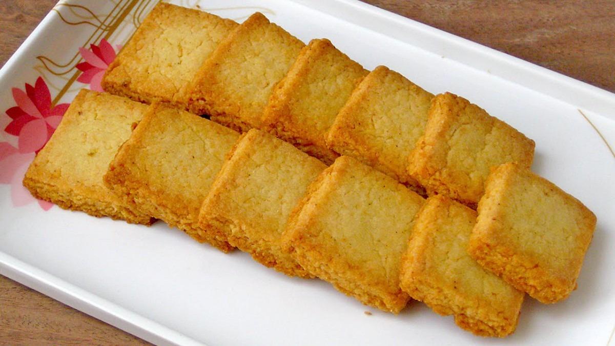 Crispy Coconut Cookies – Recipesbnb