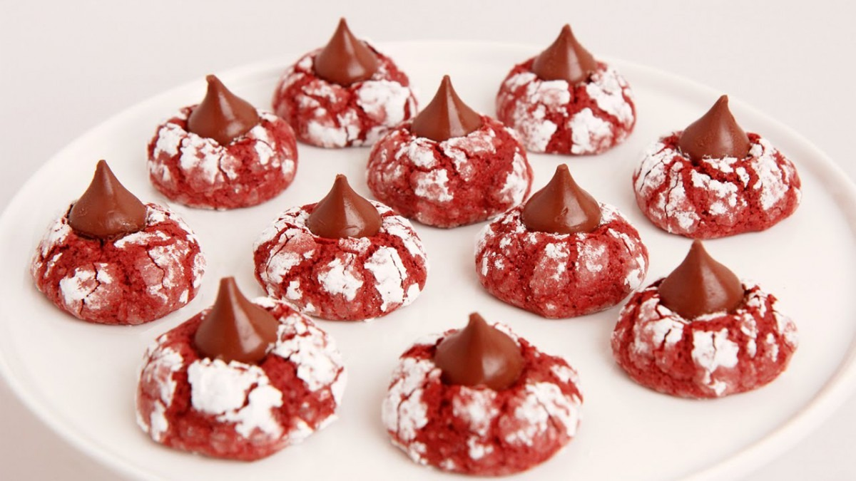 Red Velvet Crinkle Kisses Recipe